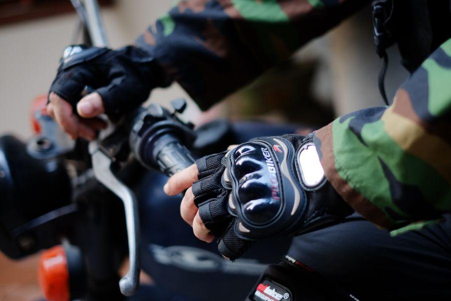 Găng tay giá rẻ probiker có phần gù bảo vệ