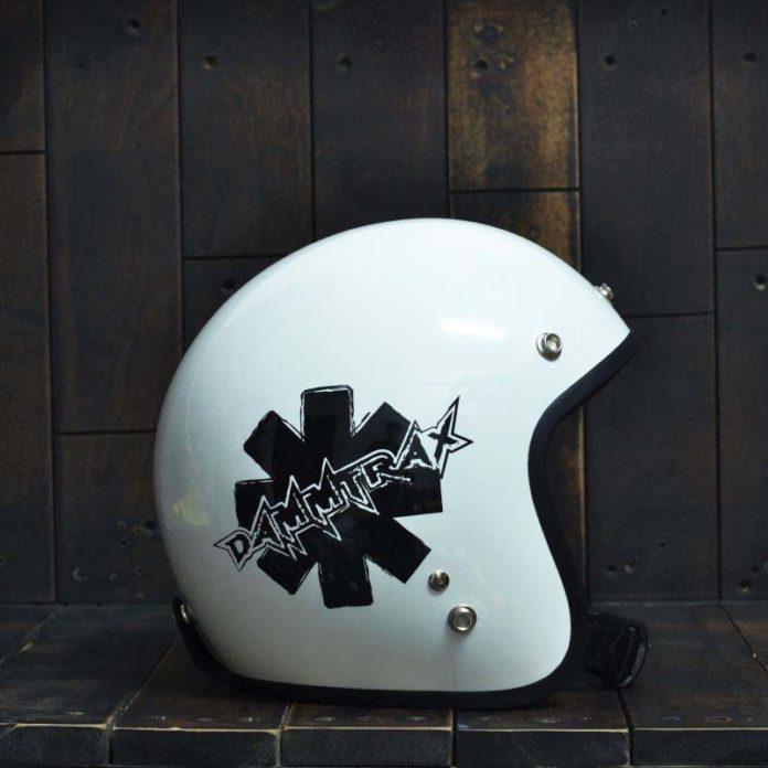 mũ bảo hiểm dammtrax màu trắng